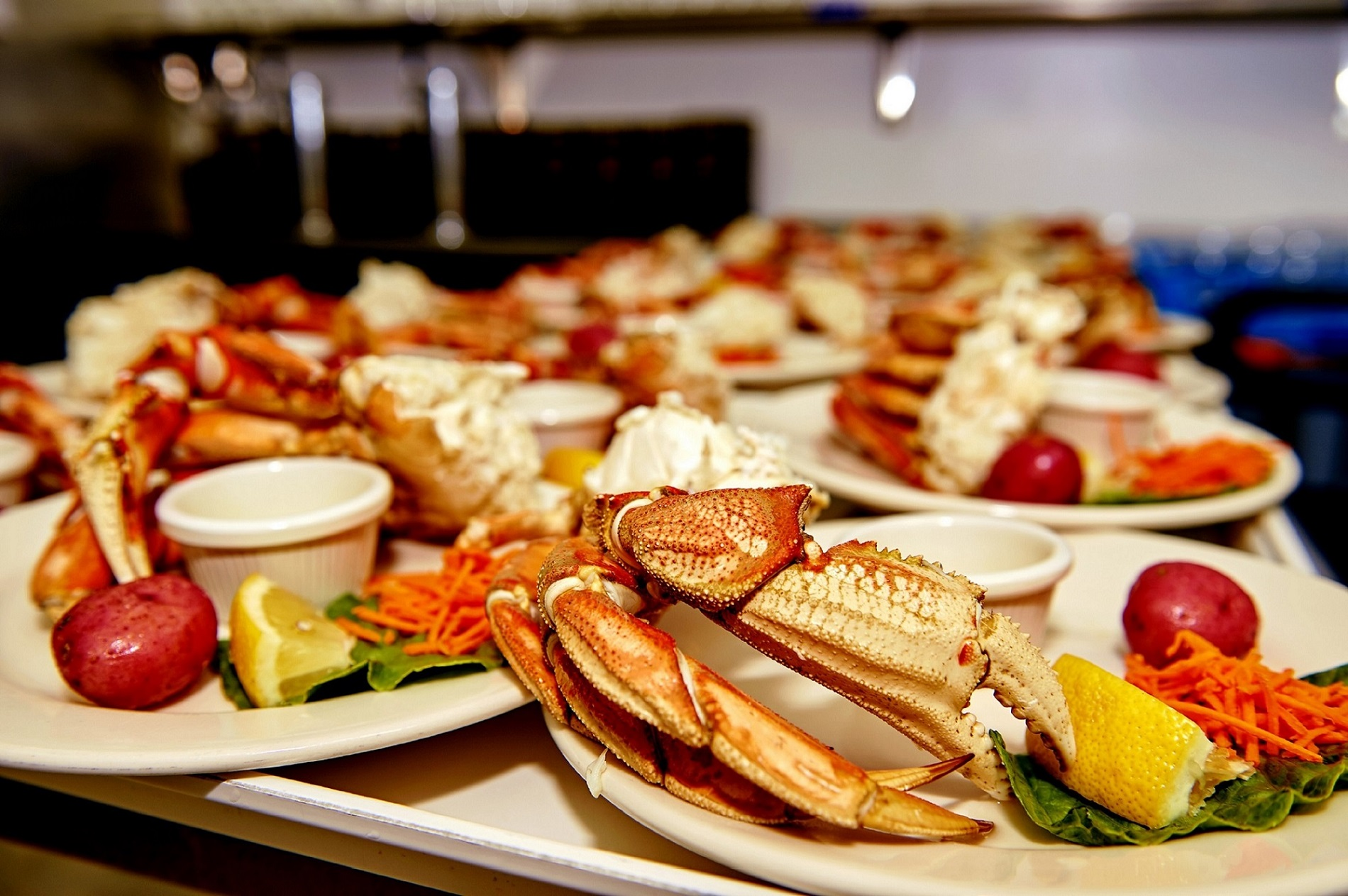 https://taquanair.com/wp-content/uploads/2020/02/Rainforest-Sanctuary-Crab-Feast-Tray-of-Crab.jpg